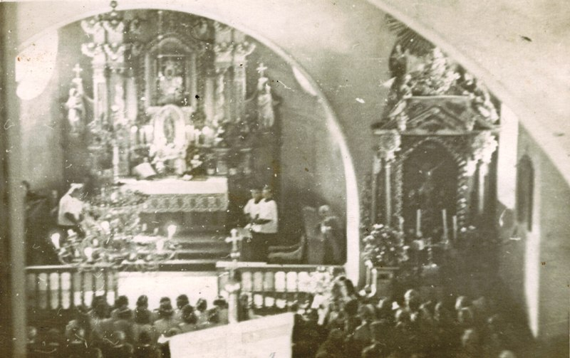 stary-zmigrod-kosciol-1952-piersza-komunia_800.jpg